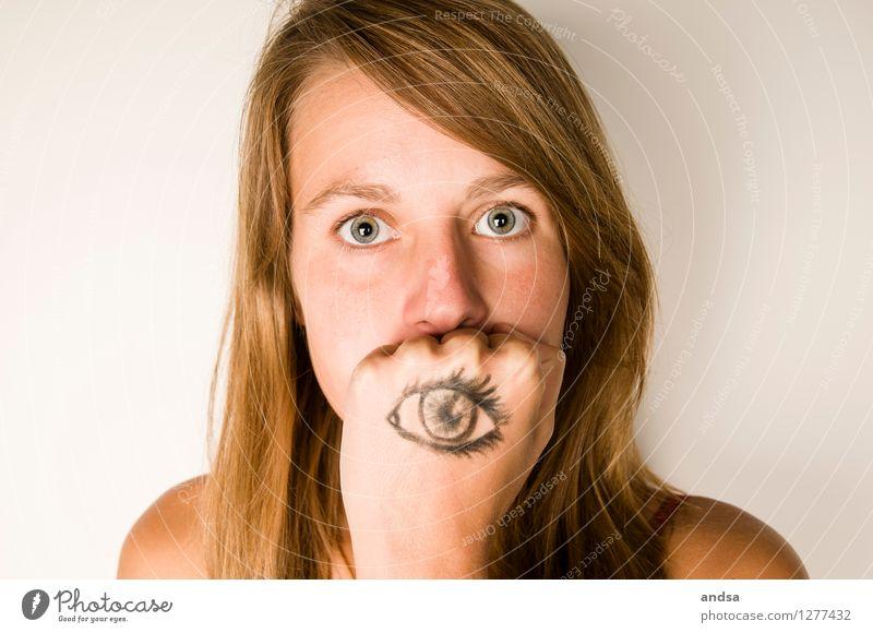 Man sieht nur mit dem Herzen gut. Mensch Frau Jugendliche Junge Frau 18-30 Jahre Erwachsene Gefühle feminin Angst Kraft Kreativität authentisch