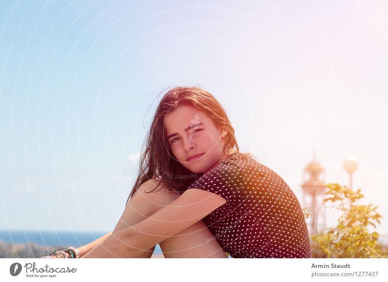 Porträt - Sommer Mensch Frau Ferien & Urlaub & Reisen Jugendliche schön Junge Frau Landschaft Erwachsene Umwelt feminin Stil Glück Lifestyle leuchten