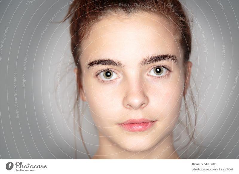 Sehr ehrlich Lifestyle schön Gesicht Wohlgefühl Zufriedenheit Sinnesorgane Mensch feminin Junge Frau Jugendliche Erwachsene Kopf 13-18 Jahre authentisch