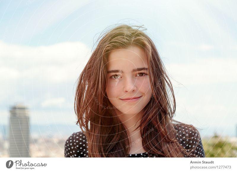 Porträt Lifestyle Stil Freude Glück schön Haare & Frisuren Gesicht Leben Wohlgefühl Zufriedenheit Ferien & Urlaub & Reisen Tourismus Städtereise Sommerurlaub