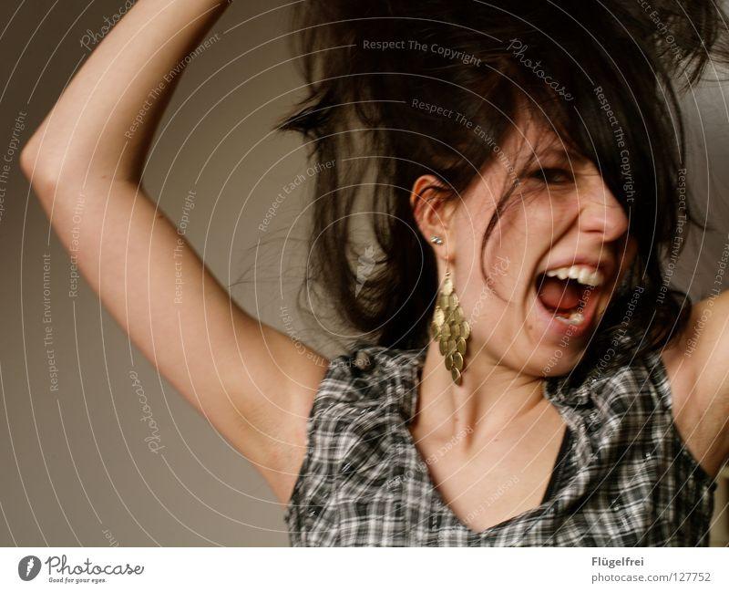 Das ist ja zum Haare raufen! Frau Mensch Jugendliche blau weiß Erwachsene Gesicht dunkel Gefühle Haare & Frisuren braun Kraft gold Arme Aktion lang