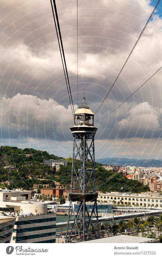 Barcelona - Seilbahn (Torre Jaume) Ferien & Urlaub & Reisen Stadt Landschaft Wolken Haus Berge u. Gebirge Lifestyle fliegen Stimmung Tourismus authentisch