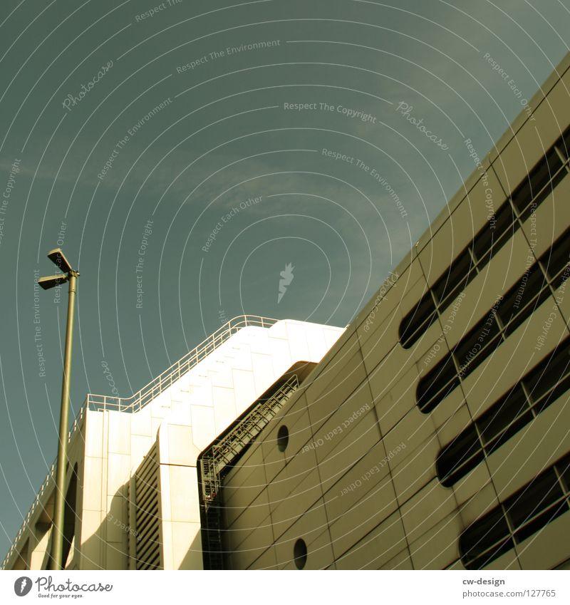 ICC III Himmel Wolken Berlin Architektur klein Arbeit & Erwerbstätigkeit Raum Fassade Treppe Platz Design Beton modern Dach Sicherheit Technik & Technologie