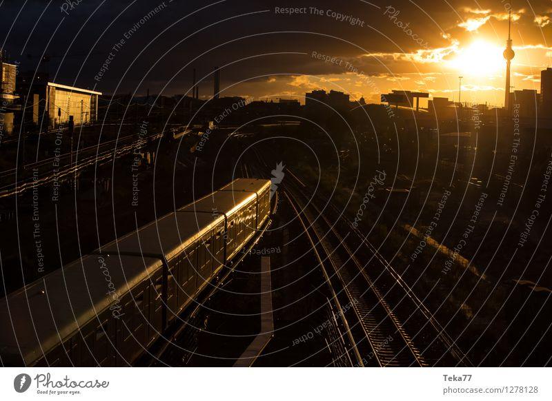Sonnenuntergangsberlin I Ferien & Urlaub & Reisen Sommer Fernsehen Berlin Stadt Hauptstadt Stadtzentrum Skyline Platz Sehenswürdigkeit Tower (Luftfahrt)