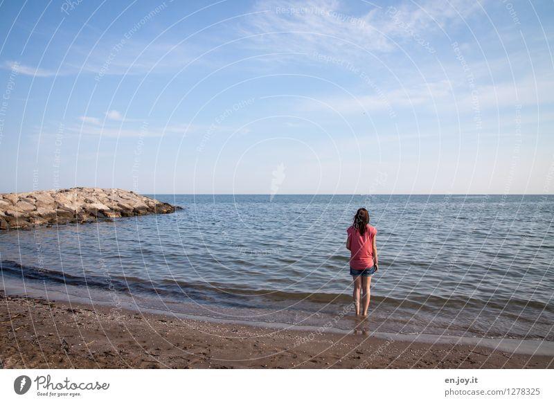 Sehnsucht... Mensch Frau Himmel Natur Ferien & Urlaub & Reisen Jugendliche blau Sommer Junge Frau Meer Landschaft Ferne Strand Erwachsene Traurigkeit feminin