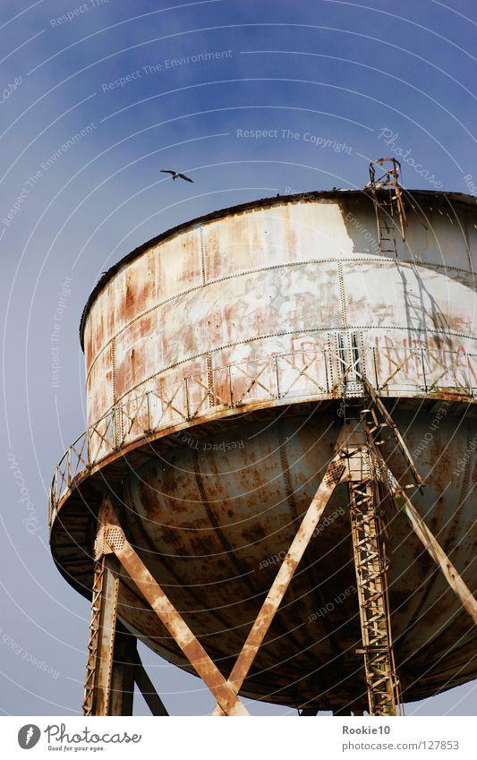 """""""The Rock"""" Alcatraz San Francisco Attraktion Denkmal dunkel grauenvoll Wassertank furchtbar abgeschreckt fremd kalt Macht beängstigend eng Unterdrückung"""