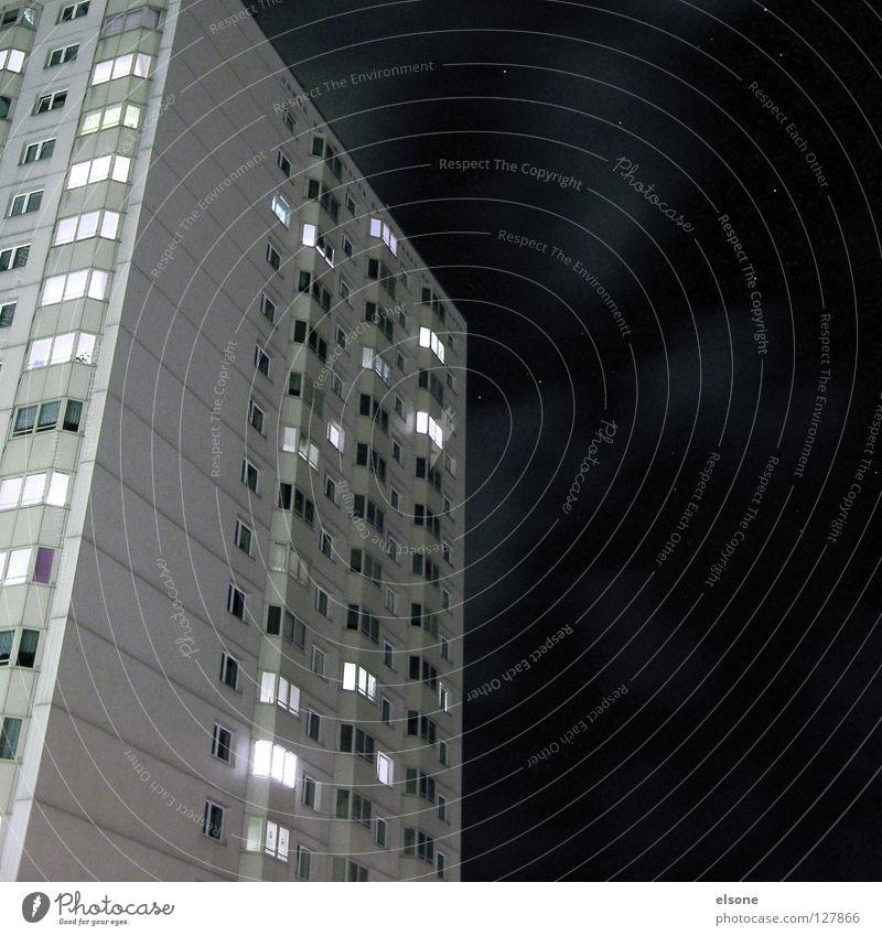 ::DA, EIN STERN:: Haus schwarz Wolken dunkel Wohnung Häusliches Leben