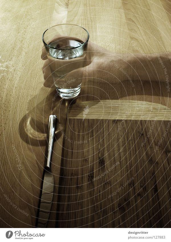 Klare Sache trinken durstig Getränk Flüssigkeit Wasser Ernährung Bedürfnisse Sauberkeit rein Trennung Suche füllen Sehnsucht Fragen Sense Leben Durst Glas