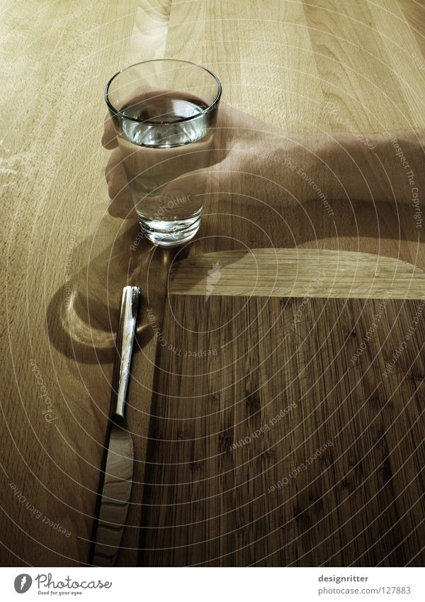 Klare Sache Wasser Leben Ernährung Lebensmittel Glas Suche Getränk leer trinken Sauberkeit Klarheit Sehnsucht rein Flüssigkeit Lust Trennung