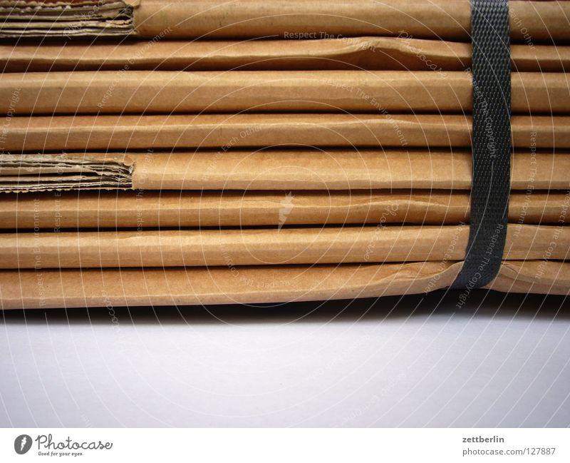 Umzugskartons Güterverkehr & Logistik Dinge Dienstleistungsgewerbe Umzug (Wohnungswechsel) Papier Karton Stapel Verpackung Lager Faltenwurf Packung