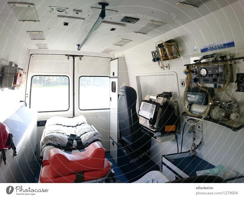 Rettungswagen Innenraum Berufsausbildung Praktikum Kochlöffel Senior Arzt Arbeitsplatz Krankenhaus Rettungsgeräte Krankenwagen Gesundheitswesen Business