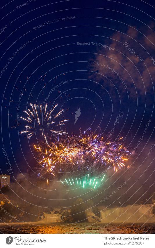 Feuerwerk 5 Kunst blau braun mehrfarbig gelb gold grün violett orange rosa rot schwarz weiß Pyrotechnik Knall Explosion Rauch Rheinfall Wasser