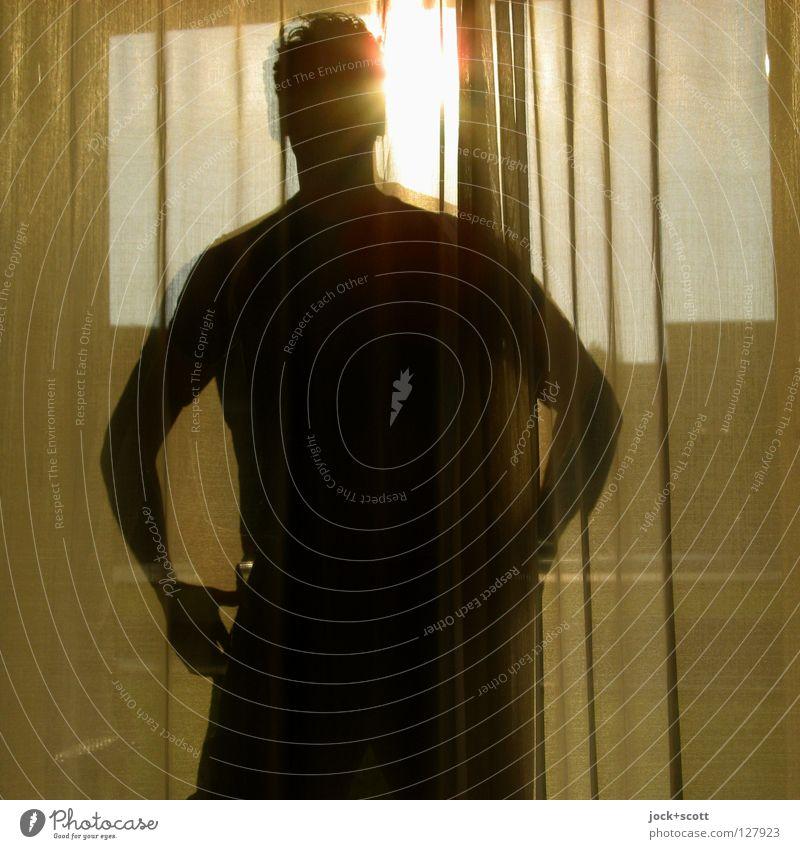 7:30 Find mich eines Morgens Sonne Dekoration & Verzierung Schlafzimmer Mensch Mann Stoff hängen stehen Gefühle Identität Fensterdekoration Falte Körperhaltung