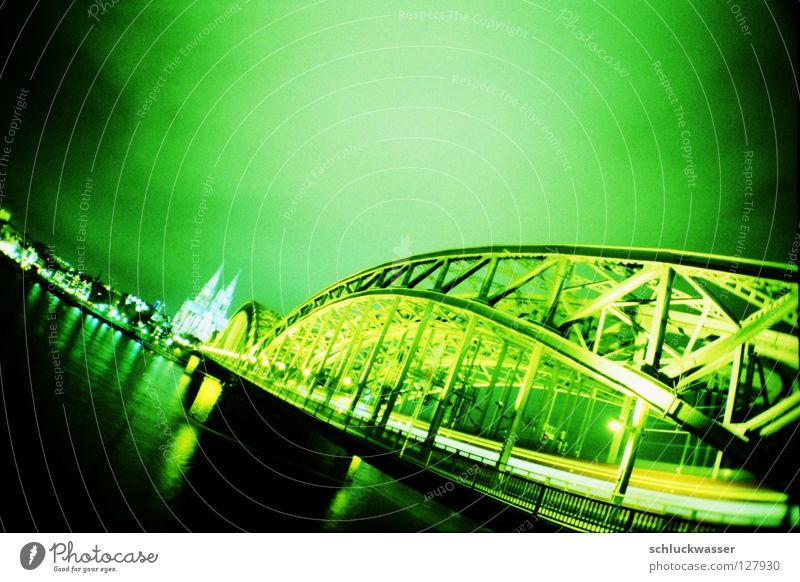 köln limette grün Brücke Köln Dynamik Dom Reiter Leuchtspur