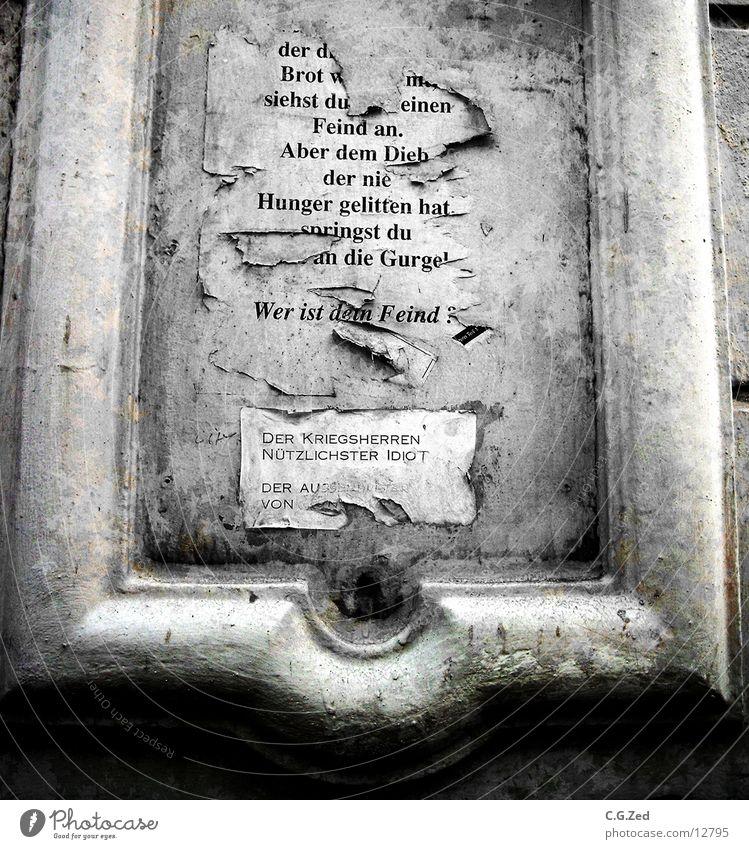 Wer Ist DeinFeind Wand Architektur Schriftzeichen kaputt Plakat Feindschaft Stuck Altona