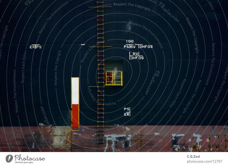 LotsenAnleger Wasserfahrzeug Frachter Rettungsring Schifffahrt Lostentür Treppe Geländer Reeling Strickleiter Hafen Container