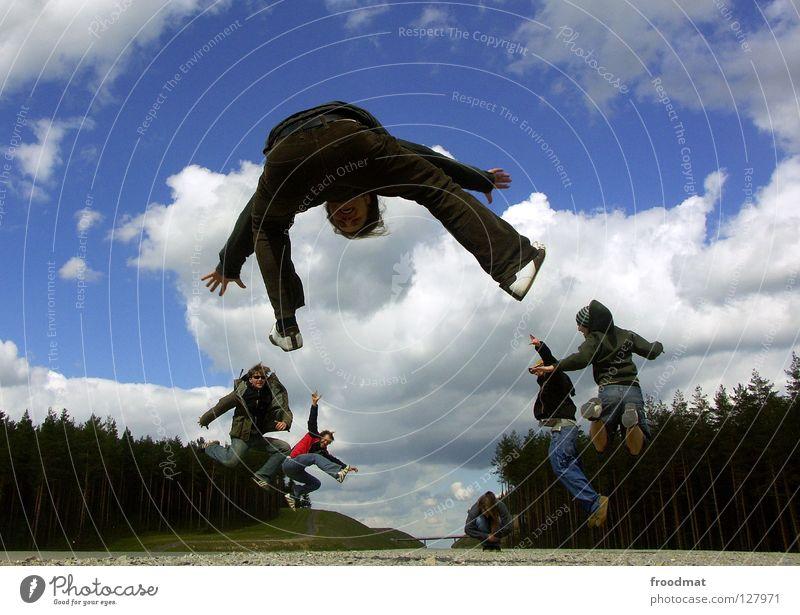 gasantrieb Himmel Natur Jugendliche blau grün schön Sommer Freude Wolken Erholung Wiese Berge u. Gebirge Leben Wärme Spielen Gras