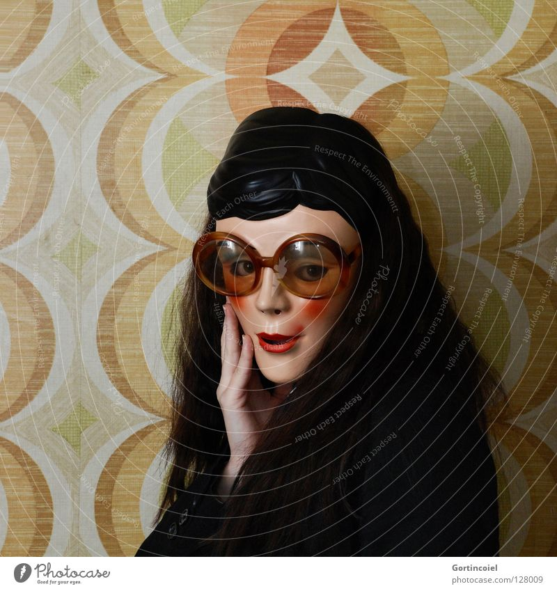 Flirty Frau Mensch Hand weiß schön rot Freude schwarz Gesicht Farbe gelb Wand Kopf Haare & Frisuren Mauer braun