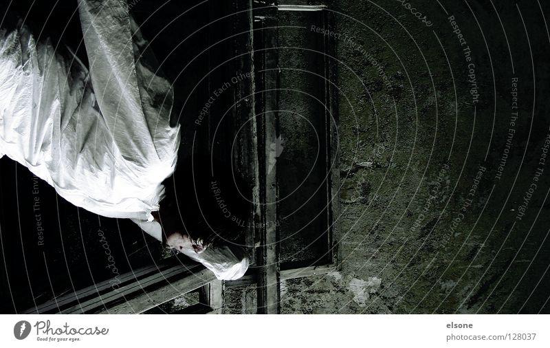 ::TAGTRÄUMER:: Mensch Mann alt Wand maskulin Konzentration verfallen Typ hängen Rahmen