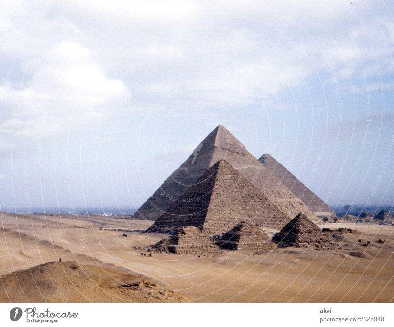 Gizeh Landschaft Kunst Wüste Vergänglichkeit Denkmal Wahrzeichen Afrika Grab Fähre krumm Ägypten Tempel Pyramide beeindruckend Kunsthandwerk Nil