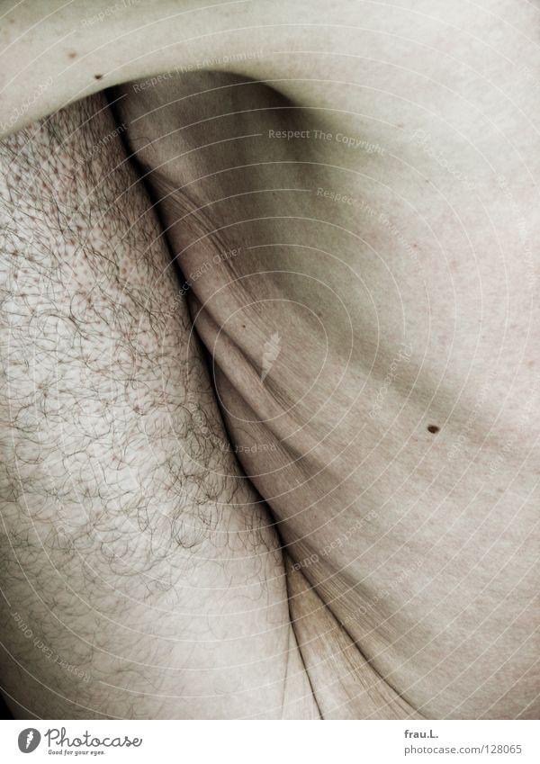 Haut Mensch Mann alt nackt Haare & Frisuren maskulin weich Hautfalten Falte dünn Brust 50 plus bleich Sportler Leberfleck
