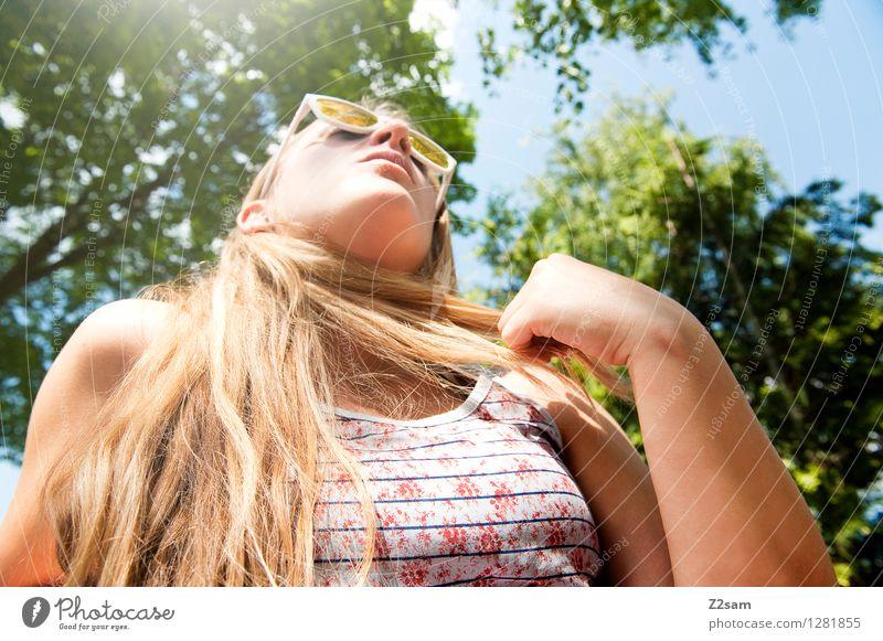 Summer in the City Natur Ferien & Urlaub & Reisen Jugendliche schön Sommer Junge Frau Baum Erholung Landschaft ruhig 18-30 Jahre Erwachsene feminin Stil Spielen