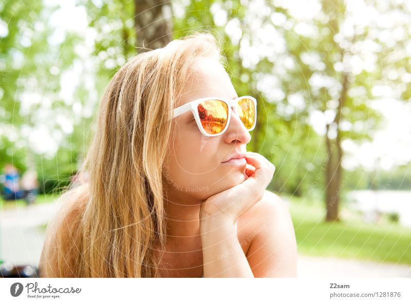 Summer in the City Lifestyle Stil Ferien & Urlaub & Reisen Freiheit Sommer Sommerurlaub feminin Junge Frau Jugendliche 18-30 Jahre Erwachsene Natur Landschaft