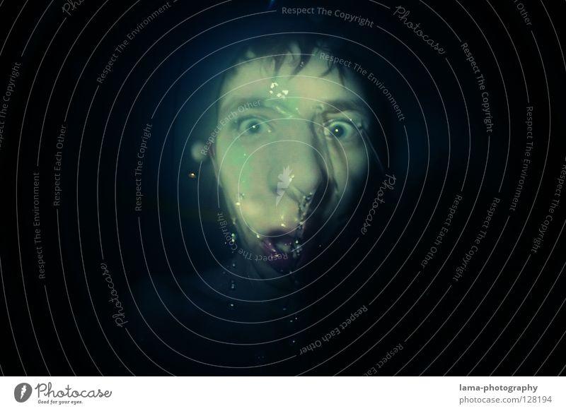 WASSER SCHLURP Mann Wasser dunkel Kopf Angst nass Nase Wassertropfen verrückt Kreis rund Kugel analog Momentaufnahme Grimasse Seele