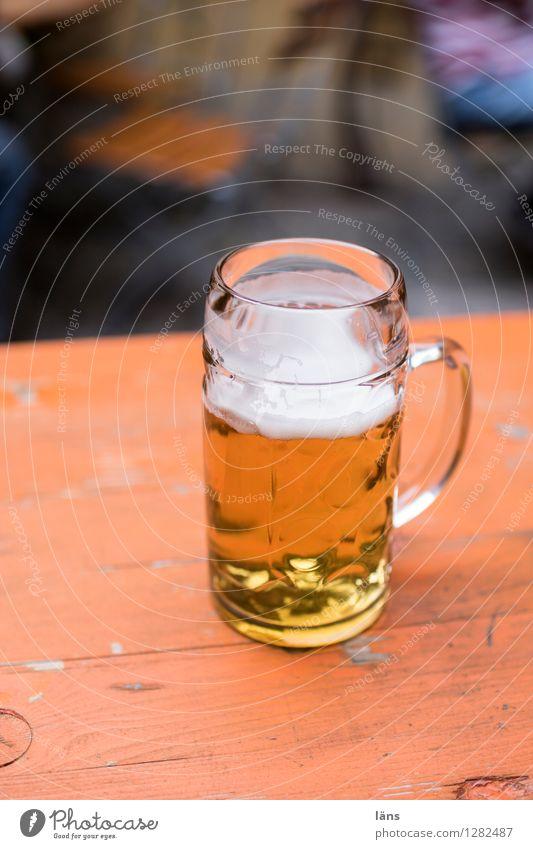 0815 AST | Prost Getränk Bier Glas Ferien & Urlaub & Reisen Tourismus Ausflug Tisch Restaurant ausgehen trinken Oktoberfest Jahrmarkt gold orange Vorfreude