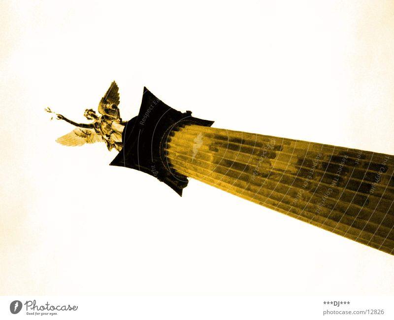 Statue Architektur gold München Bayern