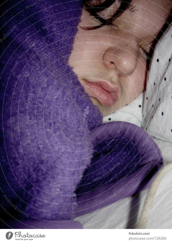 In Träumen noch ein Kind! ruhig träumen Wärme Müdigkeit Freundlichkeit gemütlich Erschöpfung schmollen