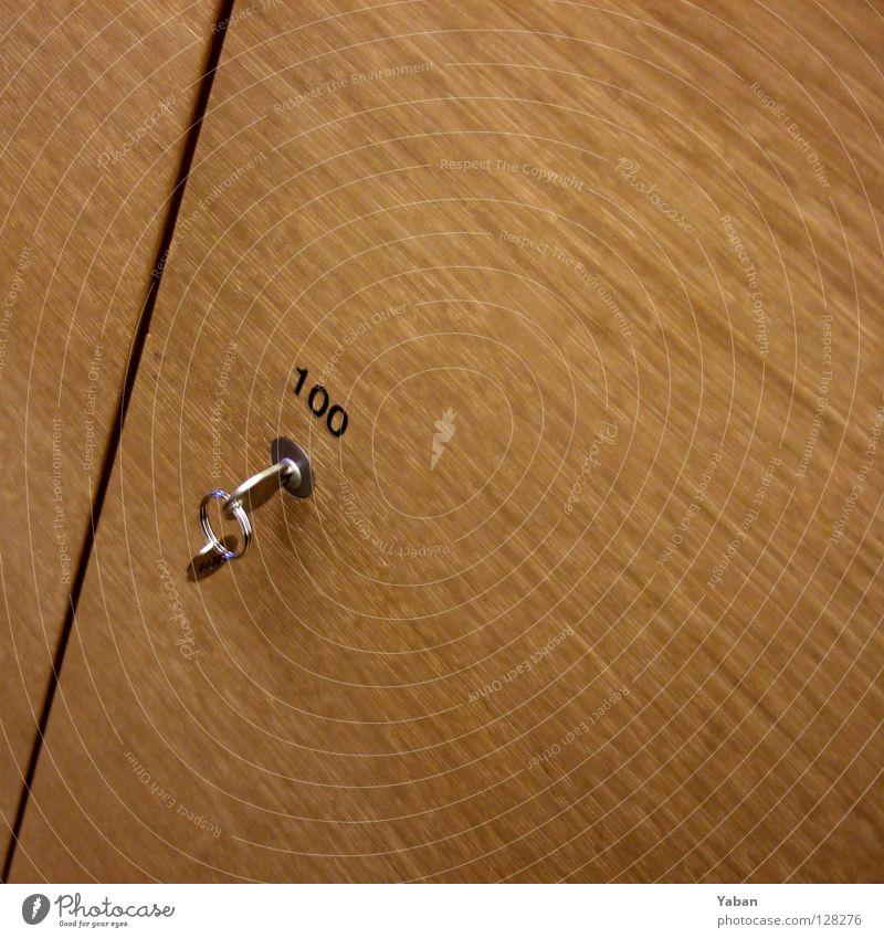 100 Ziffern & Zahlen Spind Schlüssel Schrank schließen Holz Holztür Dienstleistungsgewerbe Ausstellung Messe Burg oder Schloss Bekleidung verstecken aufbewahren