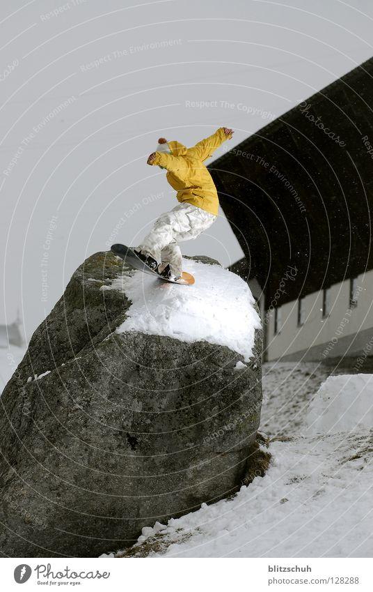 rockbonk Winter Berge u. Gebirge Schnee Sport Spielen Freiheit springen Körperhaltung Schweiz Snowboard Wintersport Freestyle Snowboarding Gel Steinblock