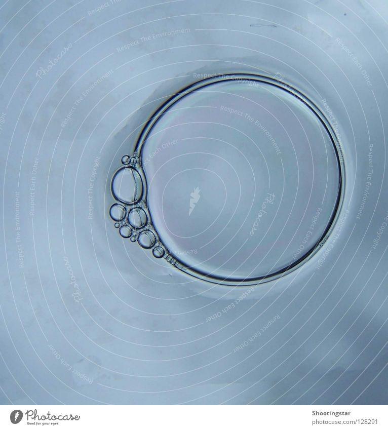 blubb Seifenblase nass rund Reinigen Schaum Wetter Blase Blubbern Himmel platzen Kreis Wasser edel von kurzer Dauer blau Makroaufnahme