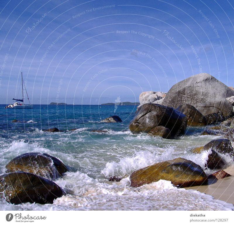 The Bath IV Wellen Meer Schaum Strand Granit Horizont Ferne Segelboot Wasserfahrzeug Segeltörn Ferien & Urlaub & Reisen Karibisches Meer Rauschen Brandung Hügel