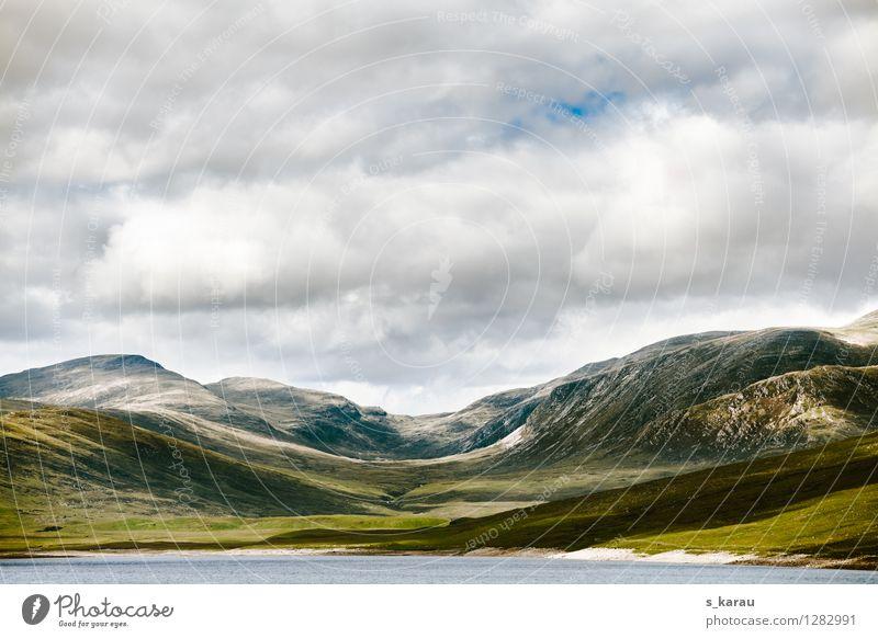 Schottische Highlands Natur Ferien & Urlaub & Reisen grün Wasser Erholung Landschaft ruhig Wolken kalt Berge u. Gebirge Gras natürlich Freiheit See Felsen wild