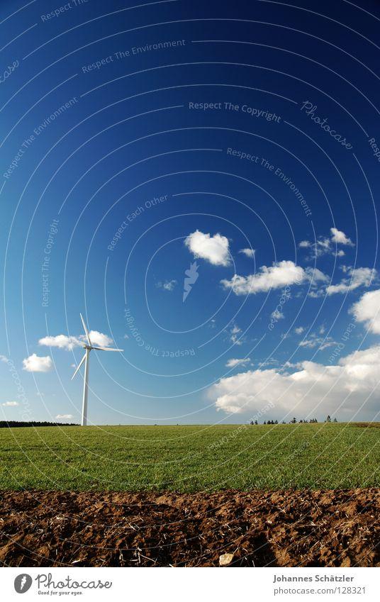 Dreiteiler Feld Gras Landwirtschaft Windkraftanlage Wissenschaften Elektrizität Kraft Wolken Himmel Frühling Sommer Aussaat grün Polarisation Landschaft field