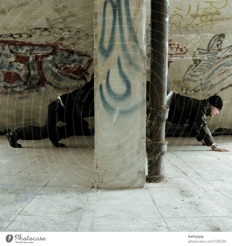 raupe nimmersatt krabbeln Mann rein Beton Mauer Wand Suche Mensch Graffiti Spaßvogel lustig spaßig Witz