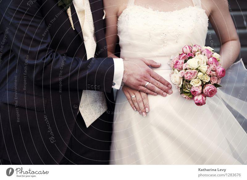 * Reichtum Stil Maniküre Hochzeit Mensch Junge Frau Jugendliche Junger Mann Paar Partner Leben Hand 2 18-30 Jahre Erwachsene Brautkleid Anzug rosa schwarz weiß