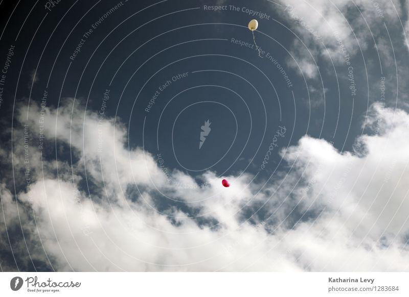 2 Himmel blau Sommer weiß rot Wolken Freude Ferne Freiheit fliegen Luft Dekoration & Verzierung Geburtstag Fröhlichkeit ästhetisch Schönes Wetter