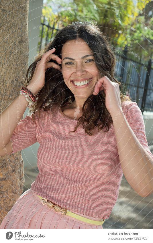 Beautiful Day Mensch Frau schön Erholung Erotik Erwachsene Frühling feminin Gesundheit lachen Mode rosa Zufriedenheit elegant Erfolg Lebensfreude