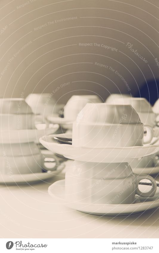 kaffee geschirr Heißgetränk Kakao Kaffee Latte Macchiato Geschirr Tasse Untertasse Lifestyle Reichtum elegant Stil Design Ferien & Urlaub & Reisen Städtereise