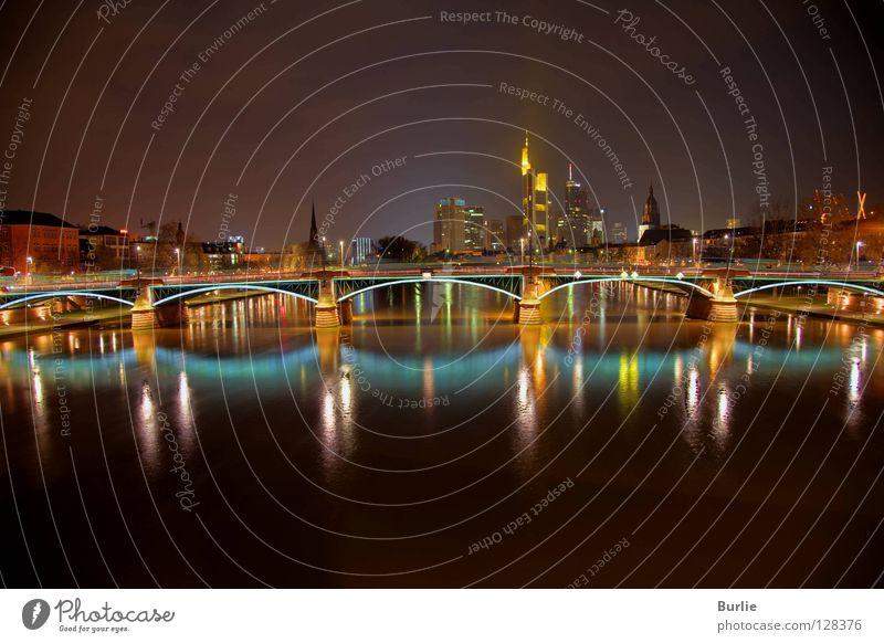 Frankfurter Brückenzauber Frankfurt am Main Nacht glänzend Licht Mainufer Farbe Lichterscheinung