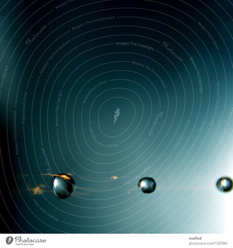 Lautlos im Weltall Wasser blau schwarz gelb grau Brand Wassertropfen Geschwindigkeit Rasen fallen Stahl Schwanz glühen Himmelskörper & Weltall Sternschnuppe