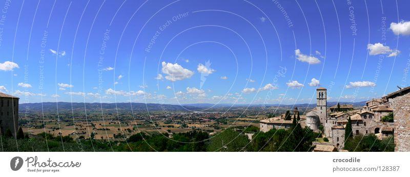 Blue sky Assisi Italien Panorama (Aussicht) Feld Landwirtschaft Stadt Wolken Kitsch Baum Sommer historisch Turm Himmel blau groß Panorama (Bildformat)