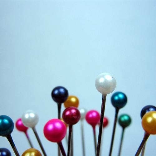SteckNadeln III Freizeit & Hobby Handwerk Stoff Kugel rund Spitze viele blau gelb grün rosa weiß Farbe Stecknadel Nähen kennzeichnen Naht Schneider Schneidern