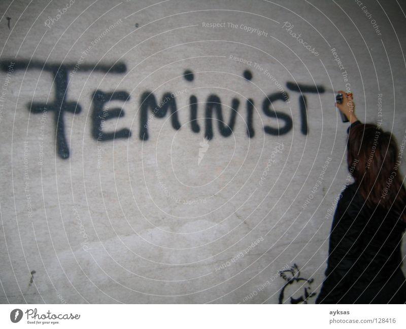 feminist Frau Freude Wand grau Graffiti Kunst Kultur Gleichstellung Wien Straßenkunst befreien Wandmalereien Emanzipation