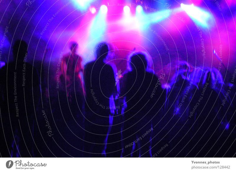 Live Mensch Jugendliche blau Freude schwarz 18-30 Jahre Erwachsene dunkel Gefühle Bewegung lustig Feste & Feiern Menschengruppe Party Freundschaft Stimmung