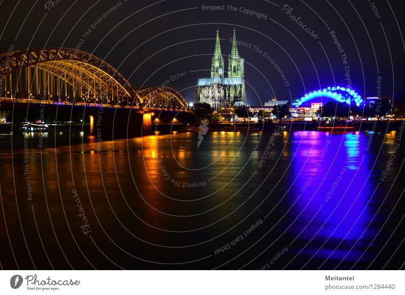 Skyline Cologne Köln Deutschland Europa Stadt Stadtzentrum Dom Brücke Sehenswürdigkeit Wahrzeichen Kölner Dom leuchten mehrfarbig Farbfoto Außenaufnahme