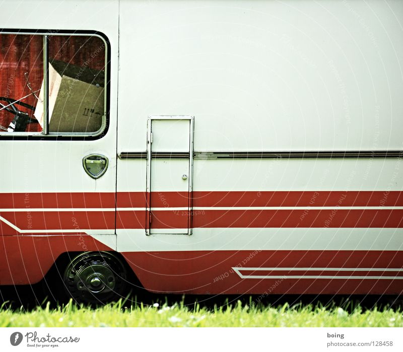 Transport V Wohnmobil Wohnwagen Camping Ferien & Urlaub & Reisen Campingplatz Wiese parken Parkplatz Verkehrswege Motorsport Trailer Reisemobil Dauercamper